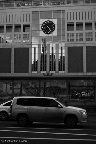 札幌駅と車